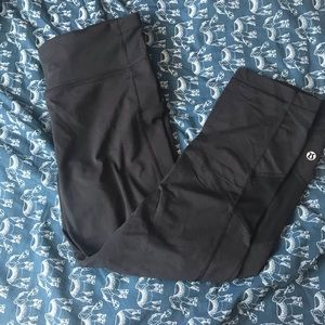 Black Lululemon Crop Leggings
